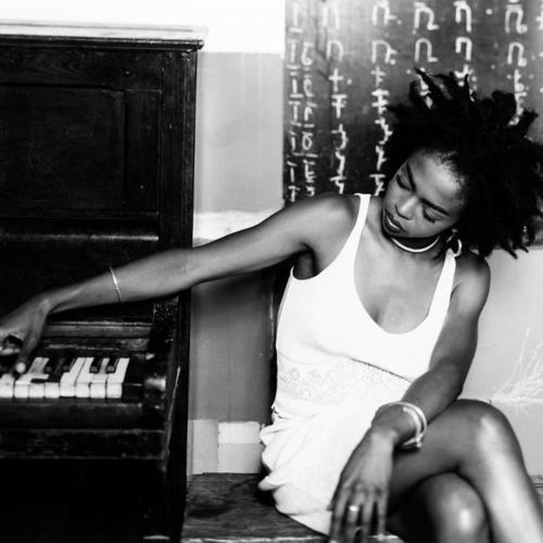 thuglife-thugzmansion:  Lauryn Hill