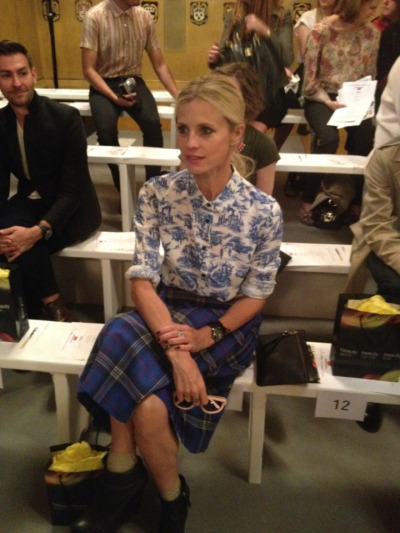 The Clash: @laurabailey_uk contrasts a chinoiserie shirt with plaid @clementsribeiro #LFW