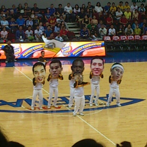ihavemymotherseyes:  #USTYJ a while ago at halftime :)))) (Taken with Instagram)