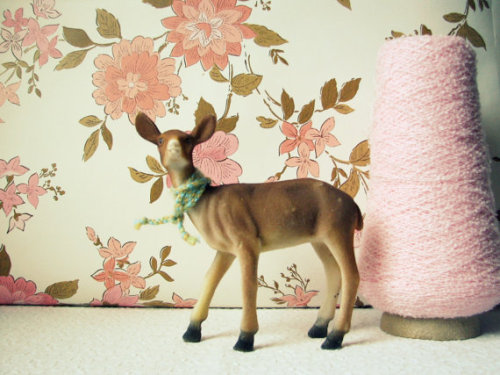 Vintage Pink Persuasion Wallpaper