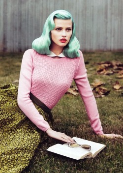 lawhimsy:  Lara Stone by Mert & Marcus for Vogue US September 2010 but with blue hair!