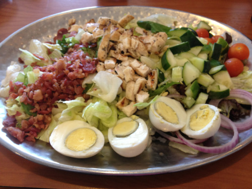 This diner served me a straight-up tray of Cobb salad.