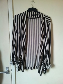 White stripey blazer. Never worn. Size 16/18. Will fit 14/16/18. Blazer - £7