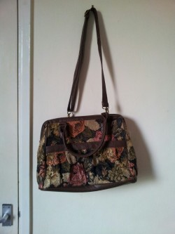 Carpet style bag, with 2 sets of handles. Never used. Bag - £2