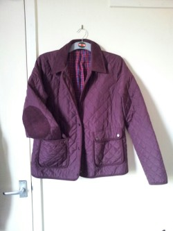 Topshop quilted coat. Size 14/16. Will fit size 12. Worn twice. RRP £55 from me - £15