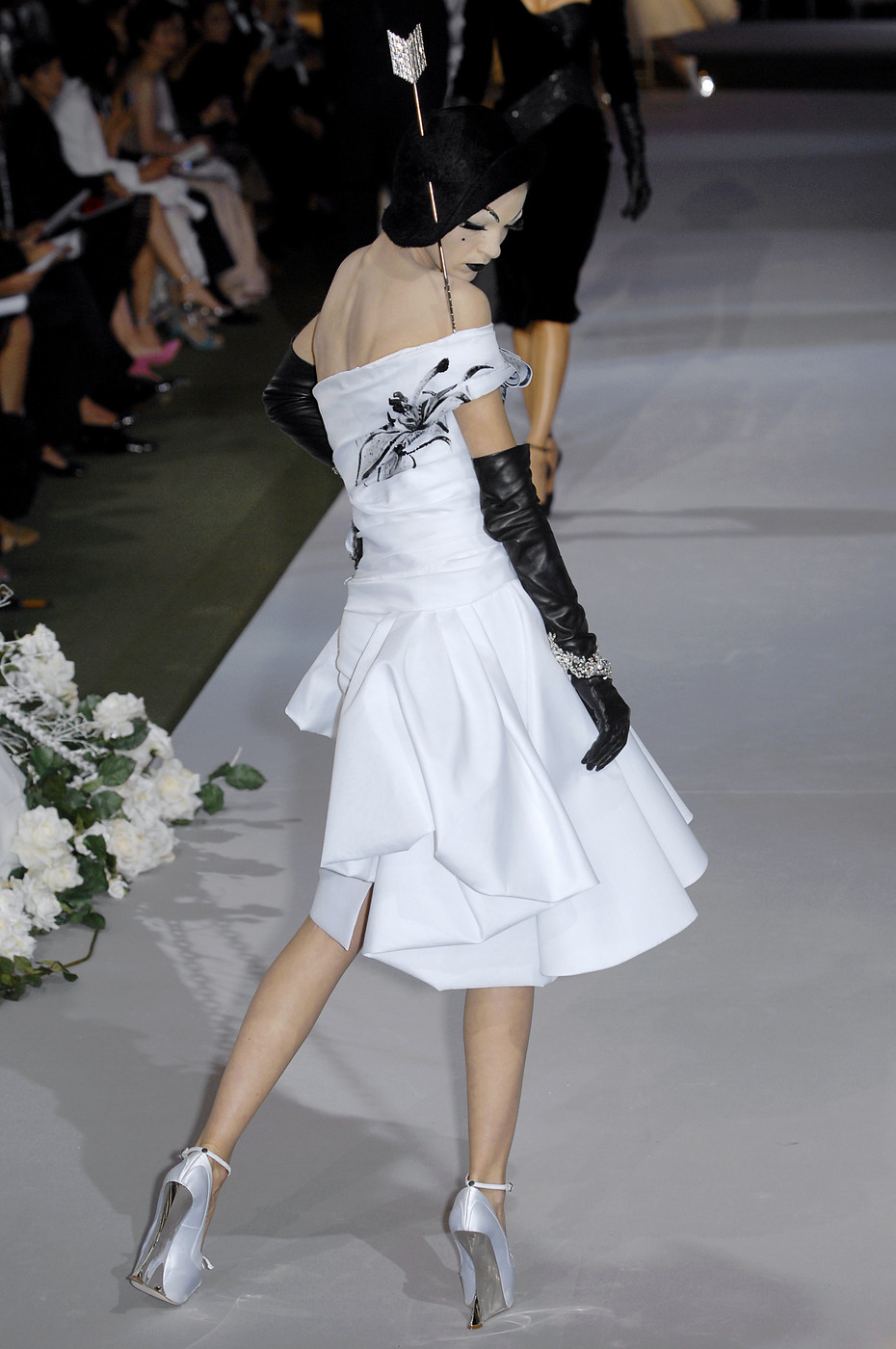 Mariacarla Boscono at Christian Dior HC Fall 2007