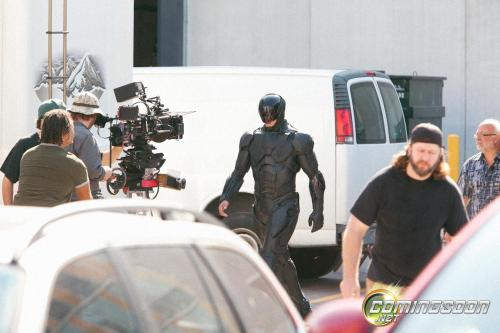 Set photos reveal Robocop's new armor in José Padilha's upcoming remake!   Tell us what you think! Read More: Set Photos Reveal Robocop's New Armor