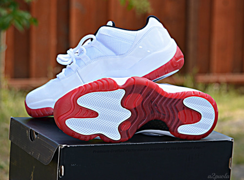 justjordans:  White Red XI Lows by a2puola