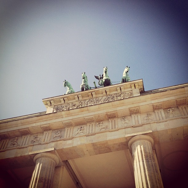 #berlin #brandenburger #tor #brandenburggate #sights #tourists #history #architecture #monument #attraction #statue #sky #quadriga #instacrazy #instamania #iphone4s #iphoneography #igdaily #picoftheday #designer #igers #germany (Wurde mit Instagram in Brandenburger Tor aufgenommen.)