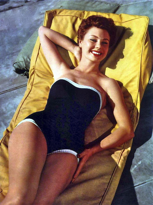 hollyhocksandtulips:  Mitzi Gaynor  Look at those legs!