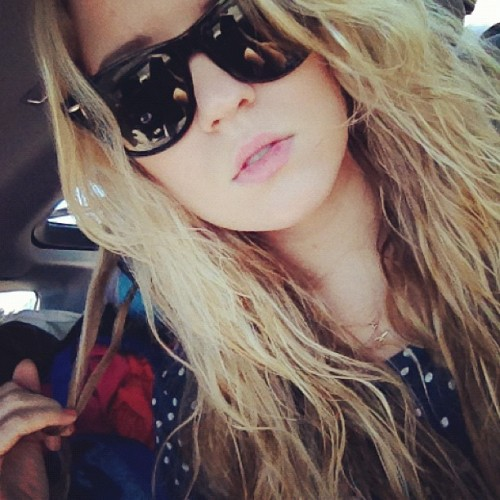 Baby I'm a beachy blonde #selfie #poutlikeyoumeanit  (Taken with Instagram)