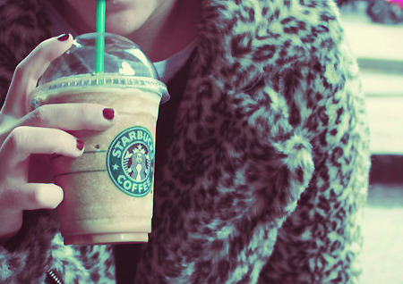 Coat,Coffee,Cold,Fashion,Fashionista,Fur,Girl,Photography,Green,Starbucks,