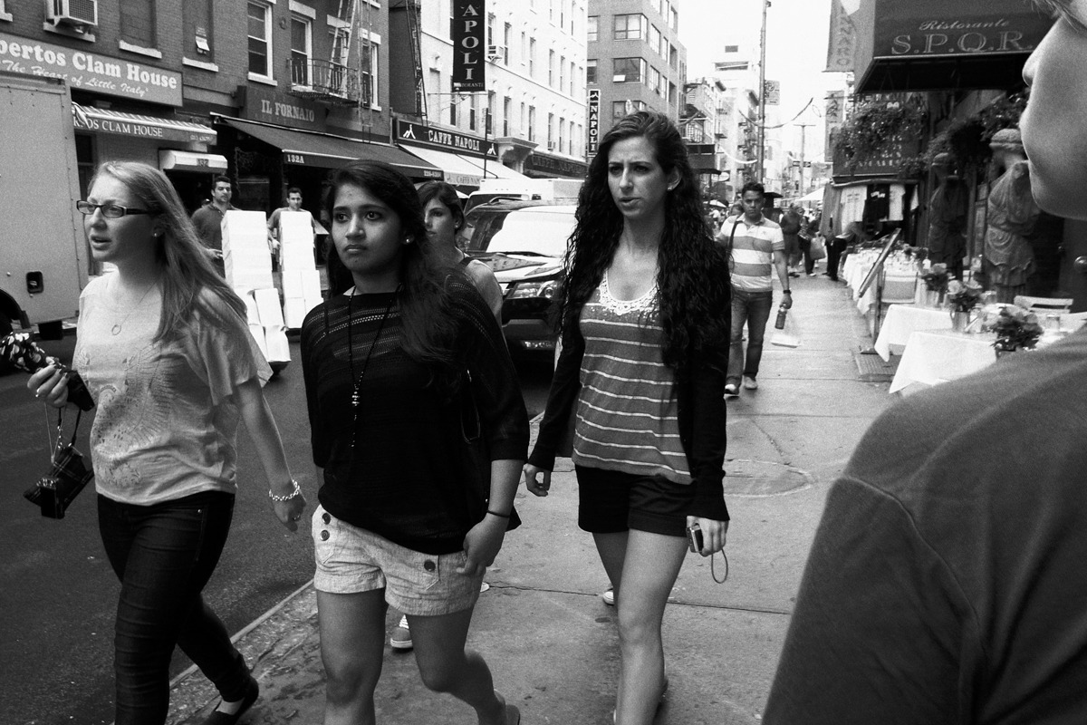 A day in the life NYC - young biddies in Little Italy