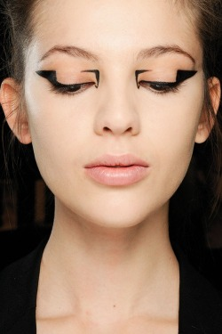 make-up-is-an-art:  Arti-Tech Trend AW/2012 This is so bad ass