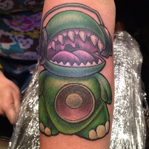 All done with the bass monster. #tattoo #newschooltattoo #tattooart #freehand #joby #jobyc #jobycummings #paradisetattoogathering  (Taken with Instagram at Keystone Conference Center)