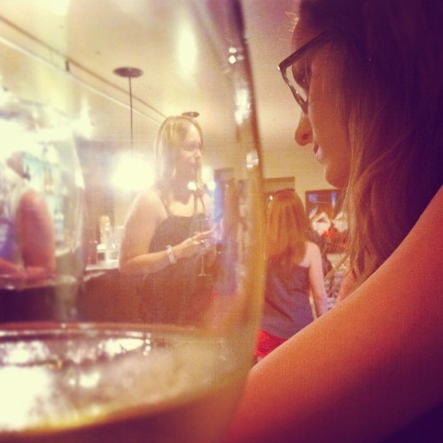 @alliknowsbest & @haleycorina #wine (Taken with Instagram at Underground Tasting)