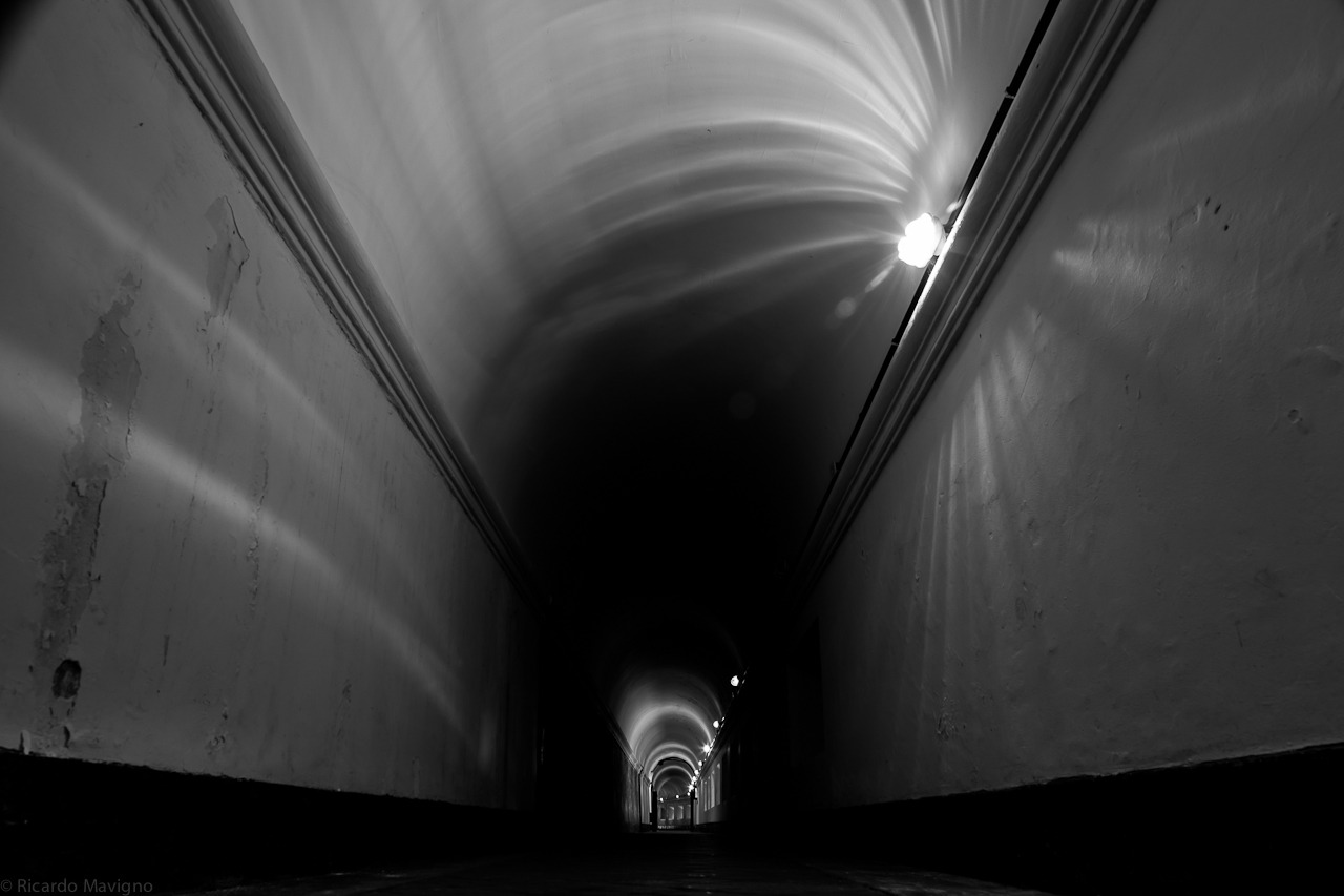 Time Tunnel by Ricardo Mavigno