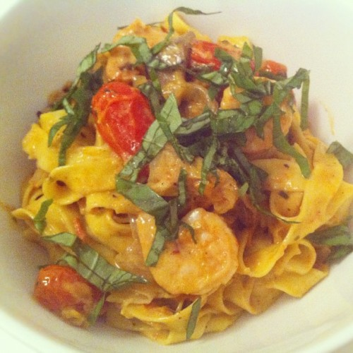 HomeCookin: fresh tagliatelle, portobello & shrimp w/ a roasted garlic tomato cream sauce. Yum!  #food #pasta #easy #dinner #nyc #comfort  (Taken with Instagram at East Village)