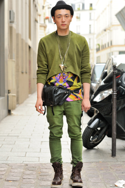 【KOREANBOY: GIVENCHY LOOK/MAN IN GREEN】 MONSIEURJEROME 详情