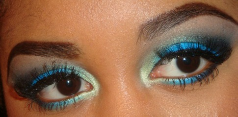 My Bright Blue Chlorine Eyeshadow Tutorial here  http://youtu.be/2NucBlNBoxY you can subscribe and see more of  my tutorials here http://www.youtube.com/user/makemeupbywhitney