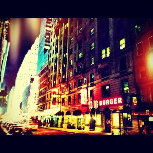 #nyc #newyorkcity #timessquare #burger #lights #ink361 #instagram #iphoneography  (Taken with Instagram at Times Square)
