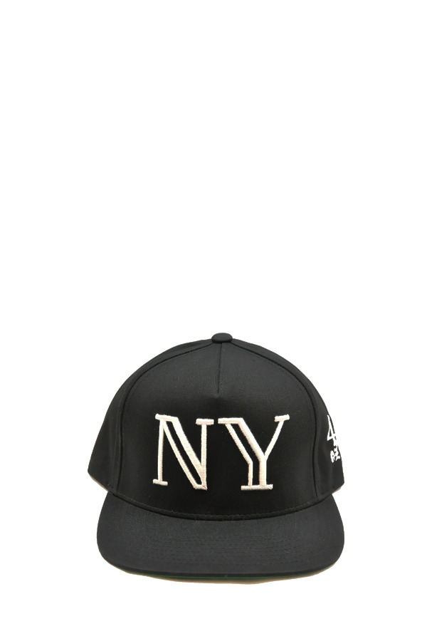 40oz 'Balmain' inspired NY snapback Finally copped these in black & navy. Now I just need the LA ones.
