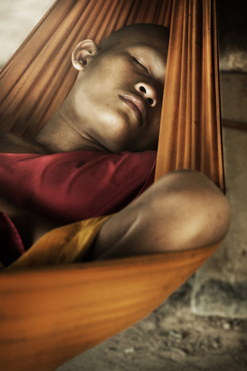 Monk in Sleep - Diego Arroyo