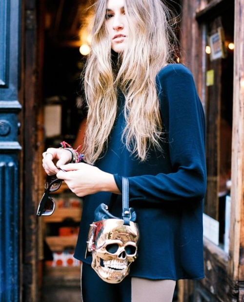 r-elume:  placid-sun:  rareboys:  love her hair and bag omg  wow her bag is so unique  omg i love it