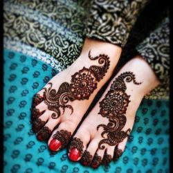 littlemissboots:  I hope I can do henna and be really good, gonna need a lot of practice
