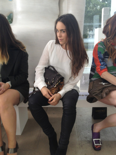 FRONT ROW STYLE: @TallulahHarlech show us how to do monochrome with a leopard print twist.#LFW