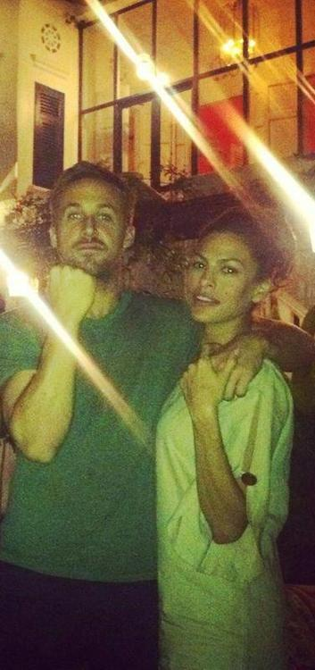 lisacarangi:  Ryan & Eva Mendes!Good Sunday :)