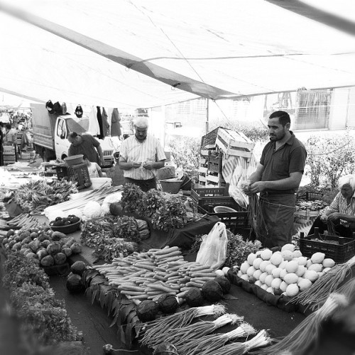 #igers #iphonesia #photitos #istanbul #bw #portrait #marketplace (Taken with Instagram at Merter)