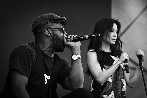 Lucy Liu and Idris Elba perform at The Big Chill 2011 [1][2]