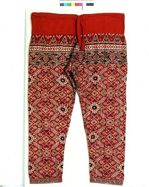non-westernhistoricalfashion:  Trousers Place of origin: Gujarat, India (fabric, made)  Java, Indonesia (tailored) Date: ca. 1900  Materials and Techniques: Double-ikat silk, with a cotton waistband Gallery note: Trousers and other garments made from prized double-ikat silk patola fabric from India were worn on ceremonial occasions at the Javanese court at Yogyakarta well into the 20th century. Patola was the most prestigious of the Indian textiles traded to Indonesia, and was even credited with magical properties. This pair of trousers is one of a set in different designs supposedly corresponding to the days of the week, reported to have been owned and worn by Sultan Hamengko Buwono VII of Yogyakarta in the early 20th century.