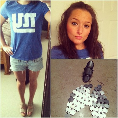 Let's go Giants!!!! #ootd #jewelryoftheday #giants #football  (Taken with Instagram)