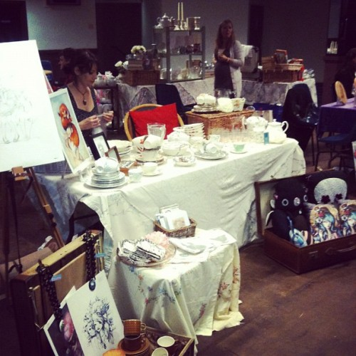 charliebath:  At the vintage fair helping my sis with her stall…come down and check it out! Already quite busy! (Taken with Instagram)  Had a great time at the Vintage and Retro Fair today with Charlie kindly helping out :)
