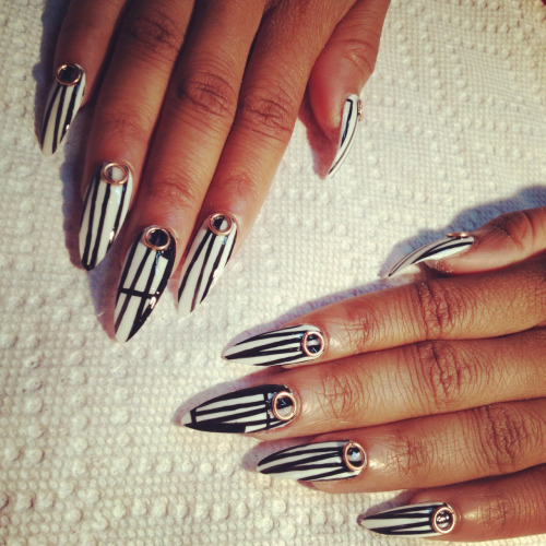 spifster:  Nails for the MajorVO shoot..