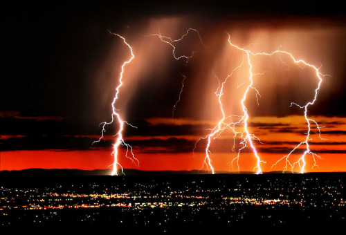 Striking Out, Lightning over Albuquerque, New Mexico (by nmjeeptours)
