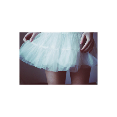 FFFFOUND!| Navegar a la luna.   (clipped to polyvore.com)