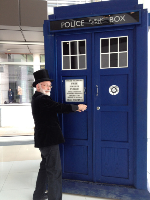 ramblingsofapublicist:  Watching @terryandrob attempt to break into the tardis is a sight I'll never forget!  Terry, you are made of all kinds of win. <3
