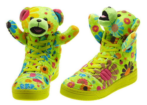 "OC used these shoes in ""Lipstick"", right?  Jeremy Scott shooooeeees; I want to see 2NE1 wear them!"