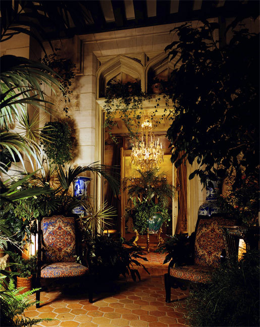 ancient-serpent:  Yves Saint Laurent's Paris Apartment