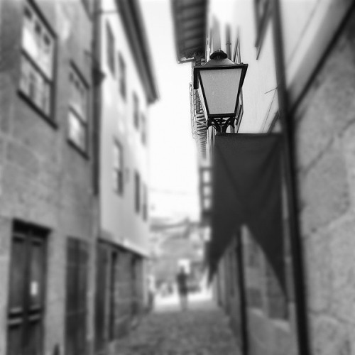 #blackandwhite #alley #streetlamp #city #travel #beautiful #street #streetphotography #sky #buildings #travelingram #statigram #webstagram #tagstagram #instagram #instagramhub #instagrammers #people #places #fromwhere #bestoftheday #bestpicoftheday #photooftheday #picoftheday #ig #igers #ignation #pic #photo #eavig  (Taken with Instagram at Guimarães)