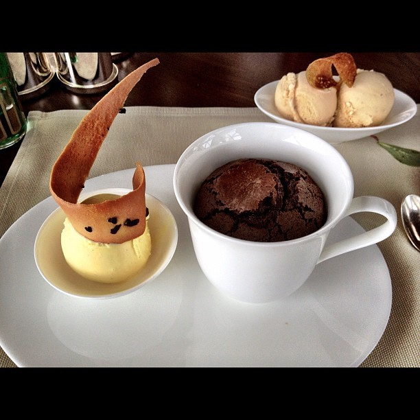 #Chocolate #fondant with #vanilla #icecream and a side of burnt #honey ice cream  (Taken with Instagram)