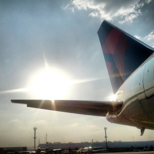 Sun #avgeek #aviation  (Publicado com o Instagram)