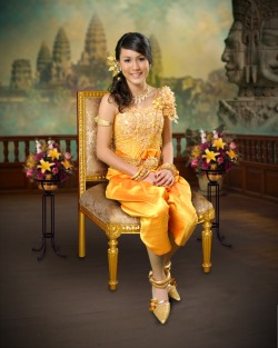lnsignifi-cunt:  OMG I FOUND PICS OF WHEN I WORE KHMER TRADITIONAL CLOTHING ……