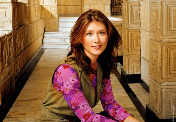 Aww Kaylee! love her! Jewel Staite as well. She will always be the girl from Flash forward, Wonderfalls, and Space Cases. :)