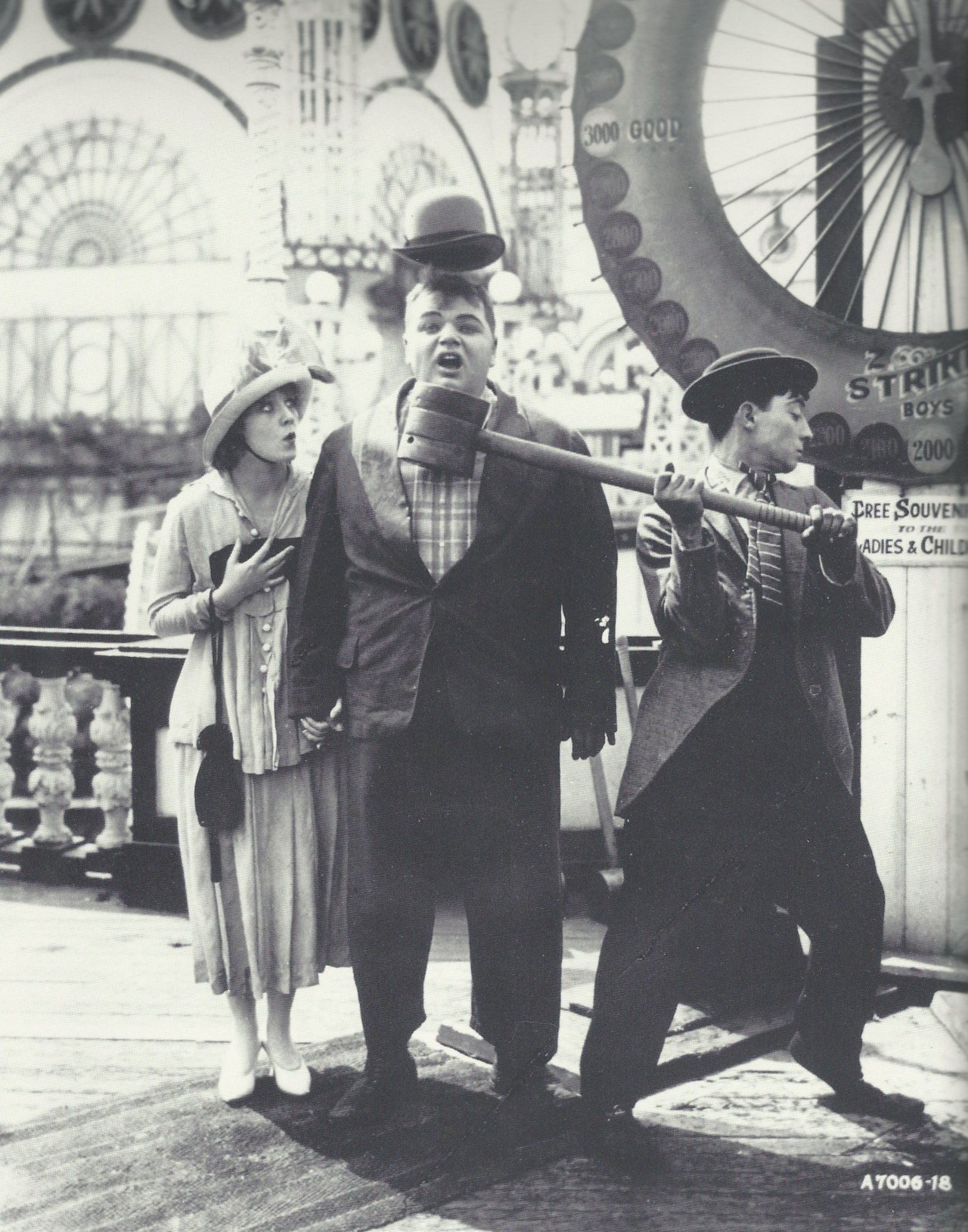 miss-flapper:  Roscoe Arbuckle, Buster Keaton, and Alice Lake on the set of Coney Island, 1917.