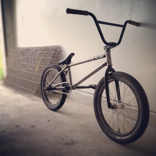 Thanks @codynutter for the hook up and for @mutinybikes @joshbedford666 making some of the best frames in the game. Siked for trail season. #luckystrike  (Taken with Instagram)