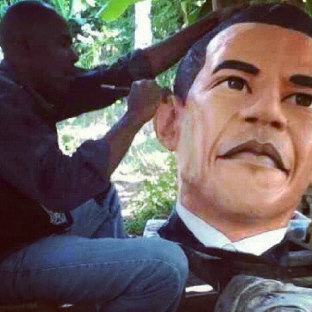 experiencehaiti:  @bee_leroy0410 #artist #sculpture #haiti #obama #experienceit (Taken with Instagram)